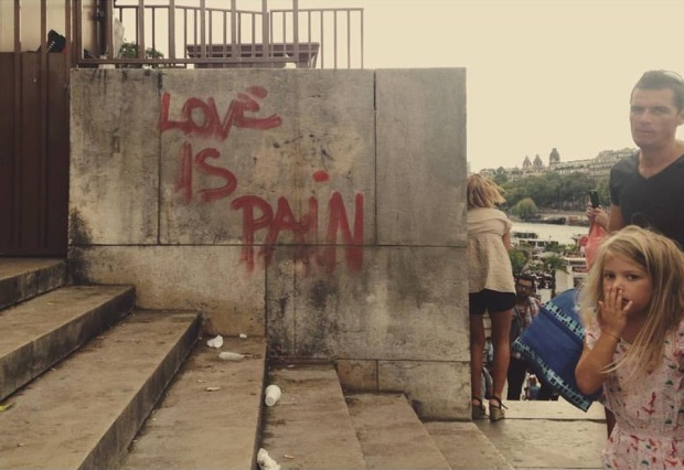 love is pain rio sena paris